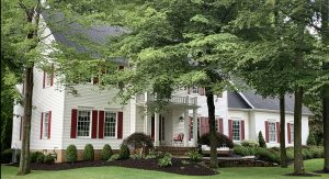 Front facade of 17418 Lakesedge Trail, Chagrin Falls OH