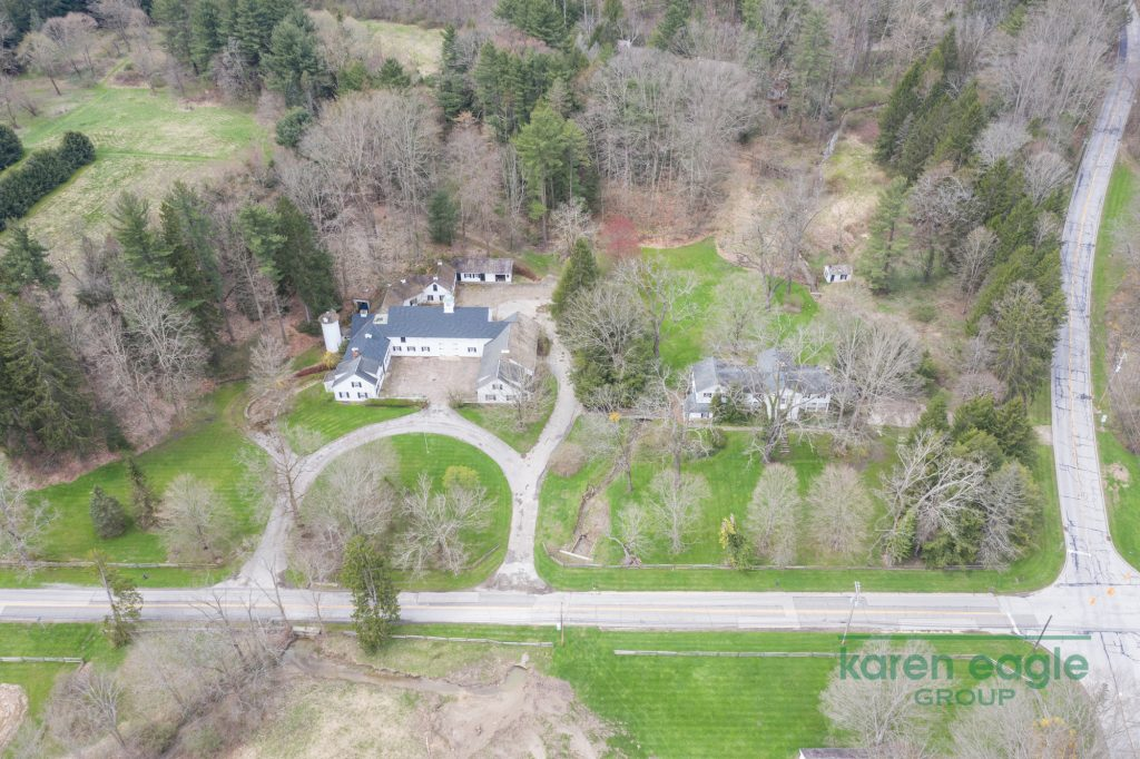 2710 Chagrin River Road aerial view
