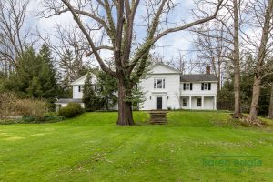 2710 Chagrin River Road house