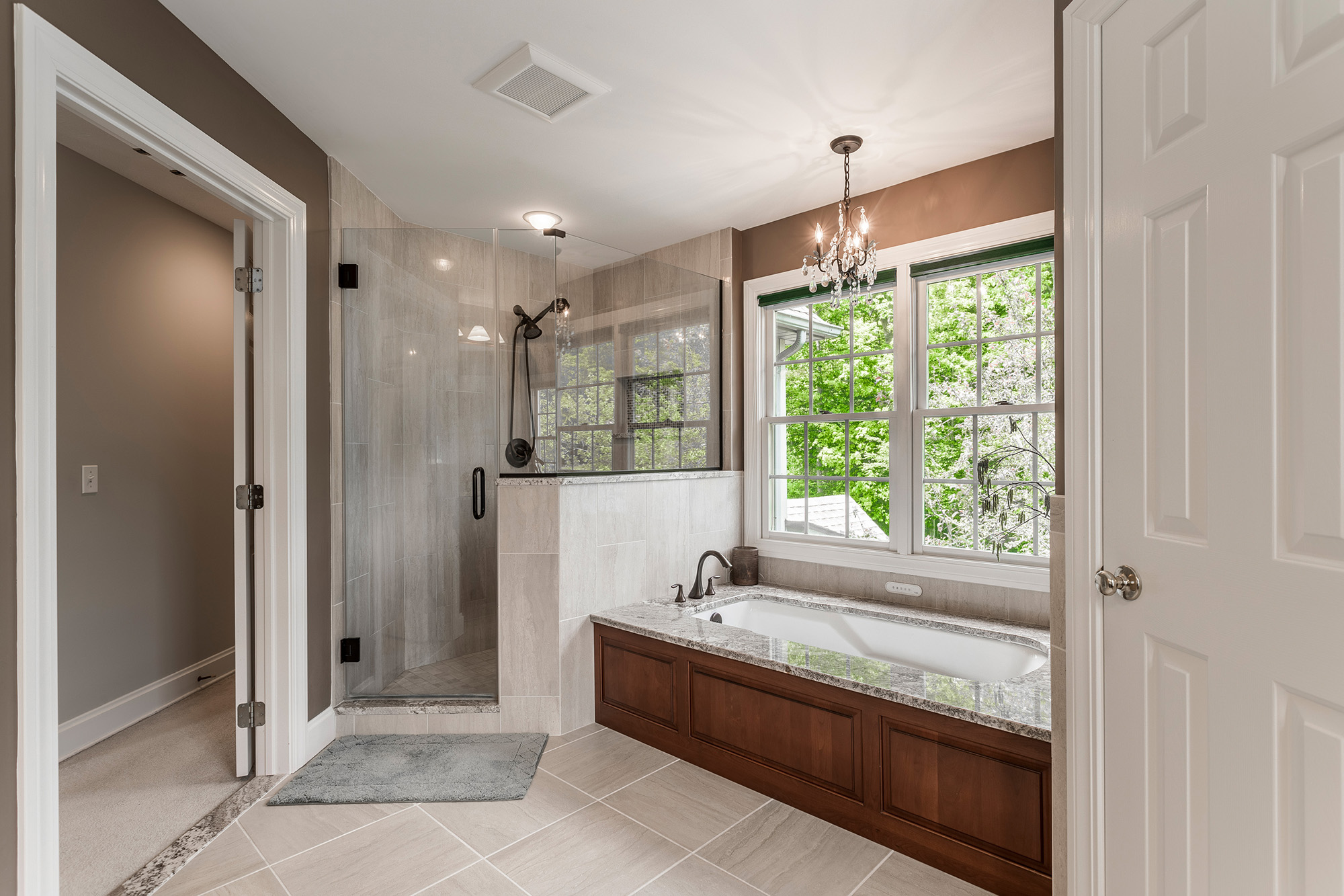 70 Wilding master bathroom